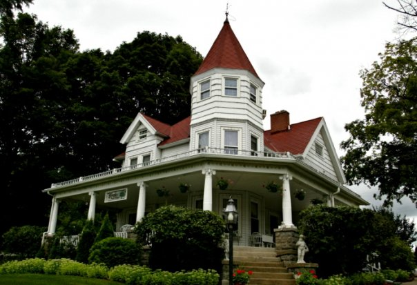 8) Kingsley House Bed and Breakfast, Fennville