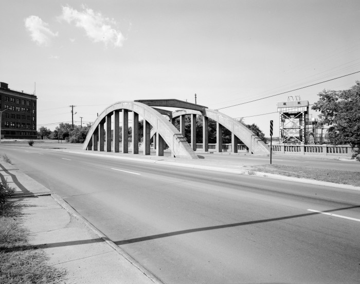 3. Lincoln Avenue Viaduct: Designed by the Missouri Pacific Railroad Company and presented to the City of Little Rock as a corporate gesture of goodwill, the Lincoln Avenue Viaduct was the first and only through rainbow arch in the city.