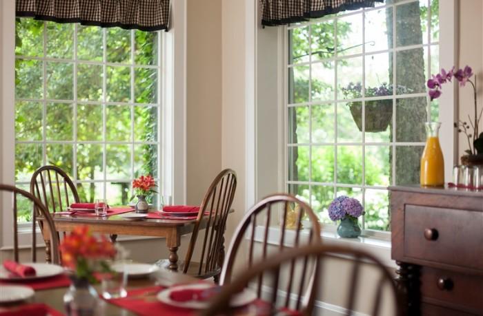 6) Chanticleer Inn Bed and Breakfast- 1300 Mockingbird Lane , Lookout Mountain, GA 30750-2516