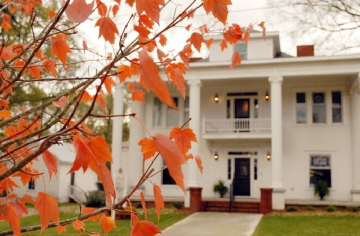 18) Sparrow Hill Inn- 410 East Church Street , Monroe, GA 30655