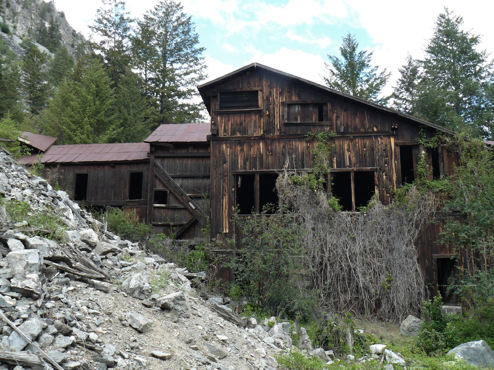 10 Abandoned Places In Washington