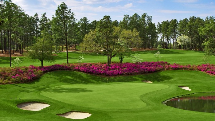 2.  Take Dad for a relaxing, fun day of golf at Pinehurst