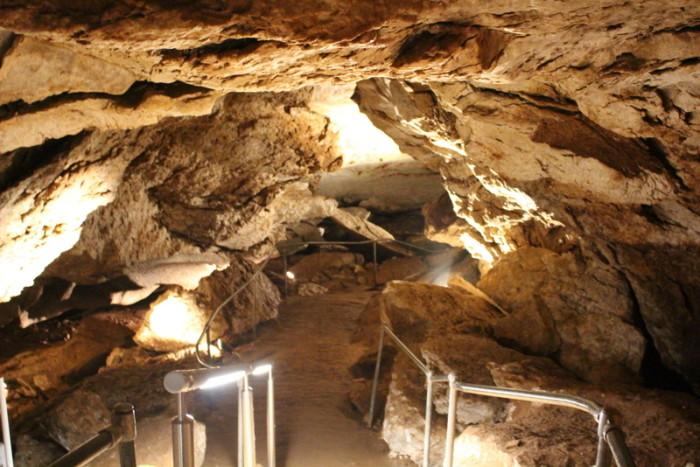 1. Alabaster Caverns State Park