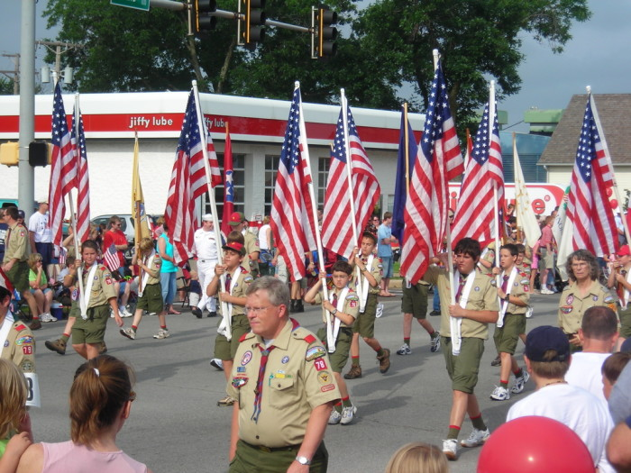 4. Go to parades, festivals or patriotic activities. Almost every major city in the state has something for everyone.