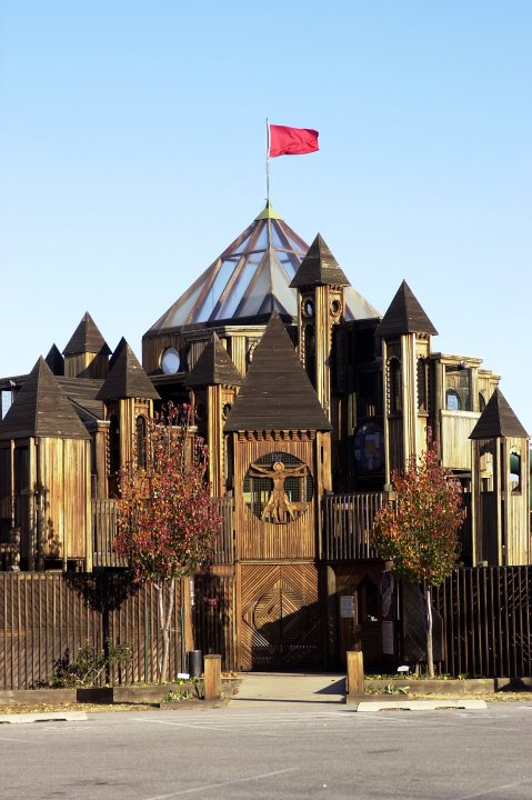 8.) Leonardos Castle- Enid, OK:  Maybe not a real castle, but don't tell your kids.  This 3 story wooden castle can be found at Leonard's Adventure Quest, which was built by 12,000 volunteers.