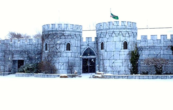 6.) Castle Of Muskogee- Muskogee, OK: Hosting many holiday festivals and events, this 36,000 castle is one of the city's most popular attractions.  This castle even features a dungeon and torture chamber.