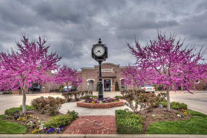 4.) Edmond-Clean city. OKC metro area. Championship Golf.  University of Central Oklahoma. Quaint Shopping. Unique Public Art.