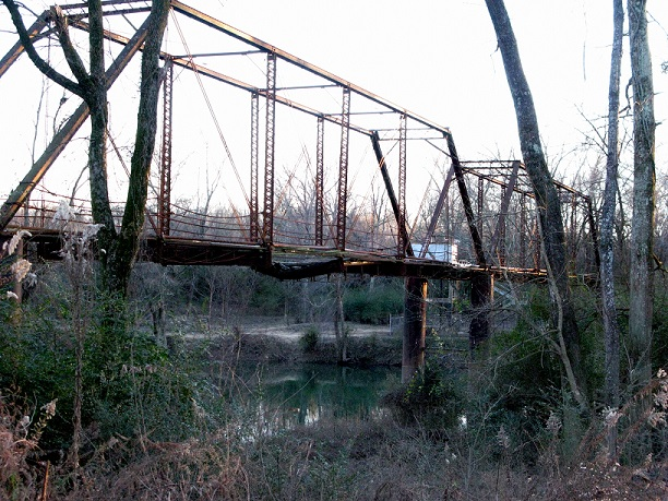 5. Old River Bridge: Located across the Saline River near Benton in Saline County, Arkansas, this is a historic bridge built in 1889.