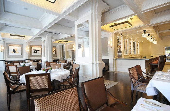 9. One Eleven at the Capitol: A popular Little Rock eatery at the Capitol Hotel, this restaurant serves fine breakfast dining each morning.