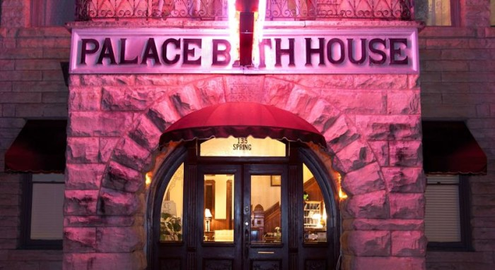 9. Palace Hotel & Bath House Spa: This European-style, restored historic hotel in Eureka Springs boasts a lovely spa and bathhouse with mineral baths, massages, and facials.