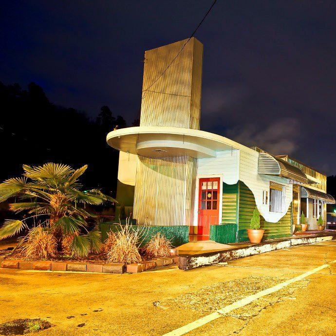 1. Park Island Market and Cafe