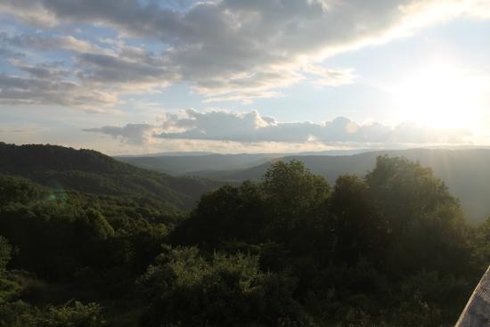 4. Pipestem State Park