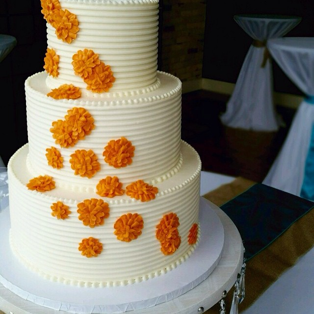 rykes wedding cake