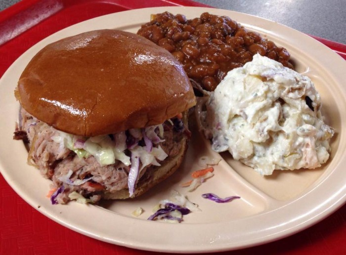 32. Smokin' In Style BBQ: This family-operated Hot Springs restaurant serves up barbecue with quick, friendly service. You won't be disappointed in the ribs or pork sandwich!