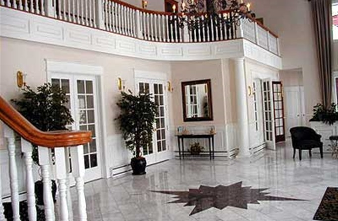 The lobby at Inn At Black Star Farms
