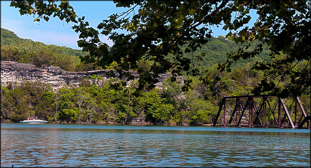 18. Table Rock Lake: Designed, built and operated by the U. S. Army Corps of Engineers, Table Rock Lake and Dam has become a paradise for boaters, scuba divers, and swimmers alike.