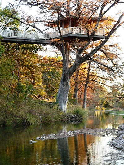 5 Amazing Treehouse Resorts In Texas