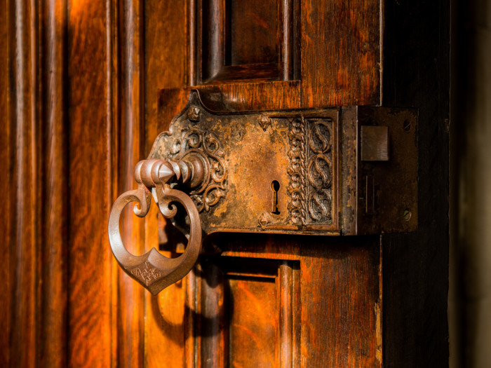 6) They appear especially forgetful about locking their front door.
