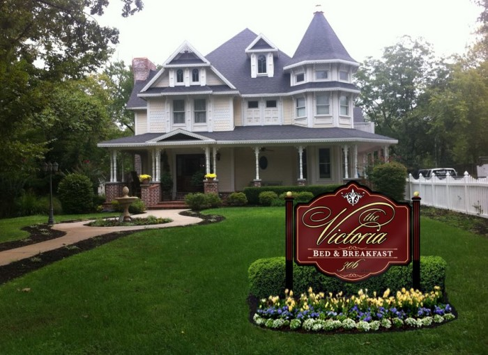 13. The Victoria Bed and Breakfast:  A combination of old world style and charm and modern luxury, this 5,000 square foot Victorian style locale adjoins the pedestrian entrance to the world class Crystal Bridges Museum of American Art.