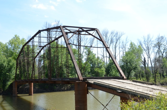 8. Ward's Crossing Bridge: Located in Yell County, this through truss bridge over Fourche LaFave is located on River Road/Sunlight Bay Road southwest of Plainview.