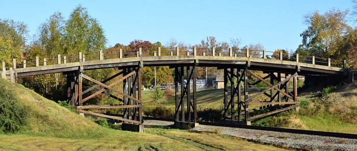 12. West James Avenue Overpass: This bridge spans Union Pacific Railroad (formerly Missouri Pacific Railroad) at West James Street (formerly Williams Street) in Redfield, Jefferson County, Arkansas.