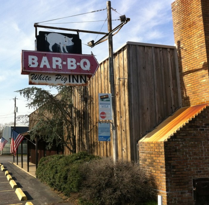 24. White Pig Inn BBQ: This North Little Rock restaurant has been preparing and serving hickory pit smoked meats since 1920; it's the oldest barbecue restaurant in central Arkansas. The menu includes pork, beef, ribs, chicken, sandwiches, sides, and home-made fried pies.
