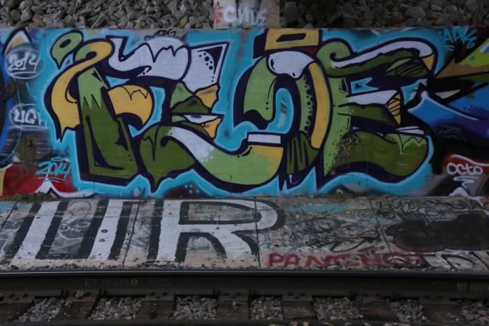 1. St. Louis 4