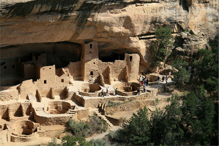 1024px-Mesa_Verde_National_Park_Cliff_Palace_Right_Part_2006_09_12