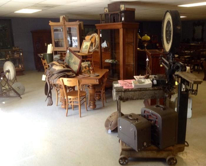 5.) River Bend, Antique Flea Market & Estate Liquidators (Kansas City)