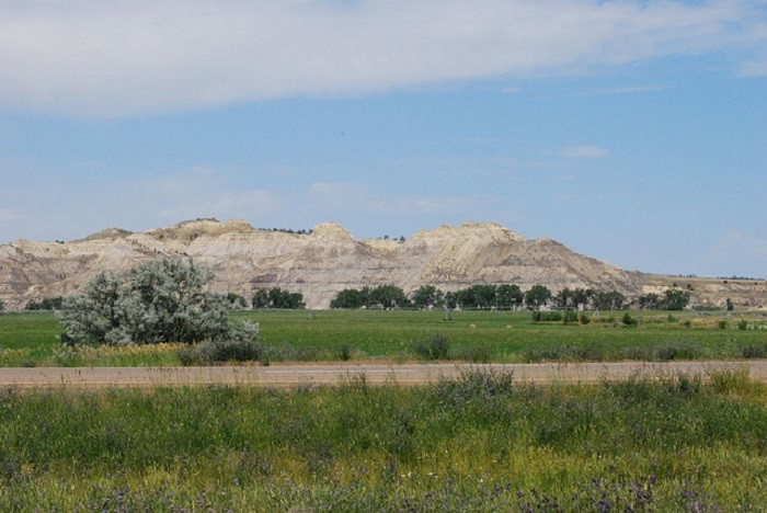 1. This BEAUTIFUL mountain range in North Dakota is SO RELAXING! I could sit and stare at it ALL DAY!