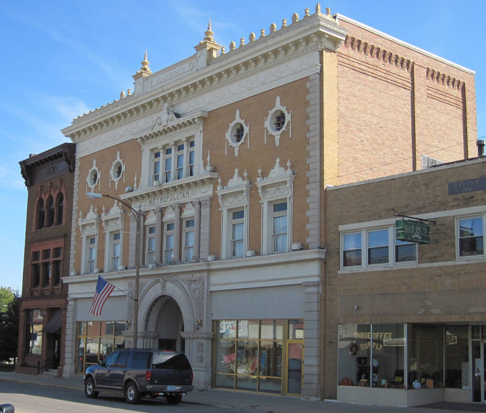 10. Metropolitan Opera House, Iowa Falls