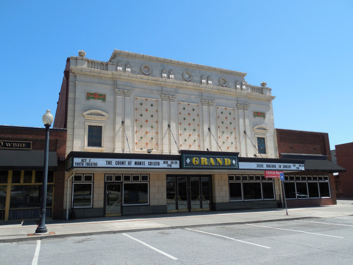 7) The Grand Theatre - 	7 N Wall St, Cartersville, GA 30120