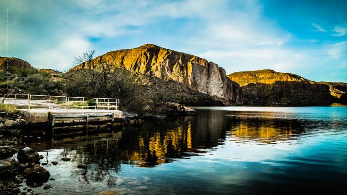10. Dinner boat cruise at Canyon Lake