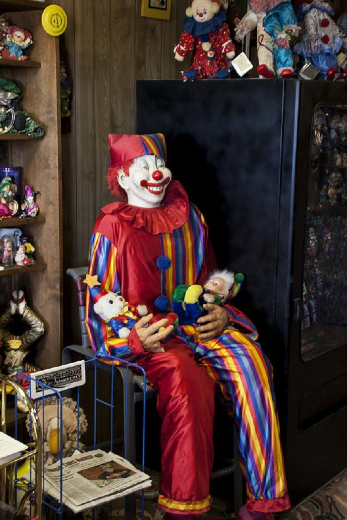 The Clown Motel Is As Creepy As It Gets