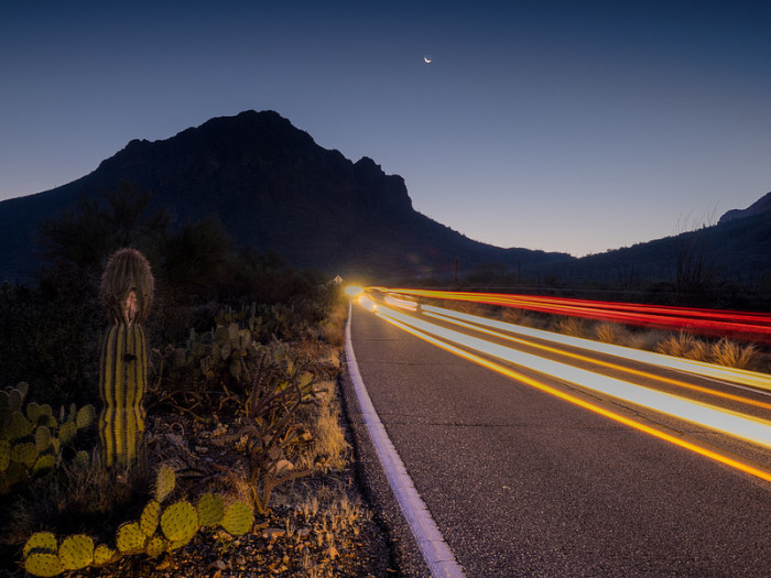 2. You can still see the moon somewhere in Saguaro National Park just before the sun begins to rise.