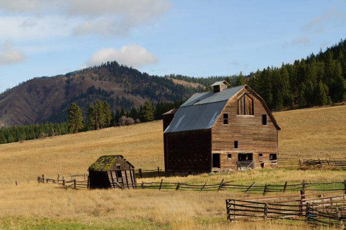 1. Check out this rustic elegance in Ellensburg.