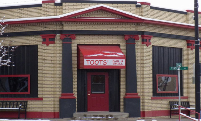 Toots' Bar & Grill, Chappell