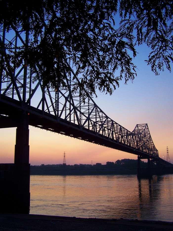 2. Martin Luther King Bridge, St. Louis