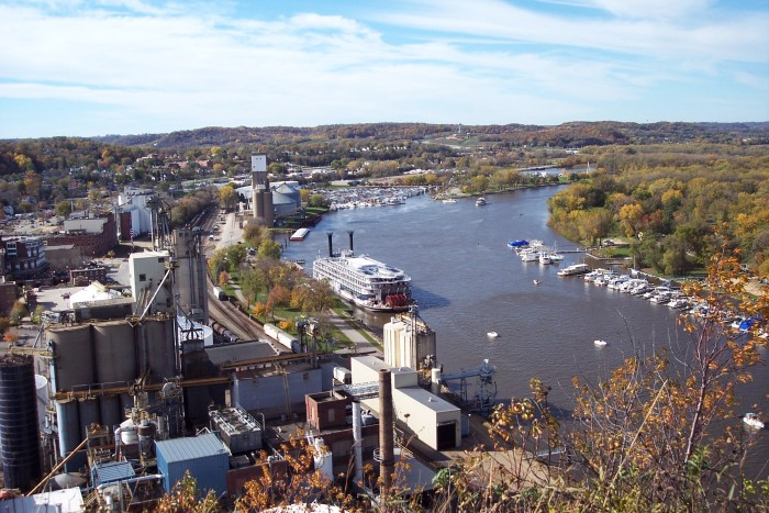 5. Sit atop Barn Bluff to see Red Wing unfold below you while you snack.