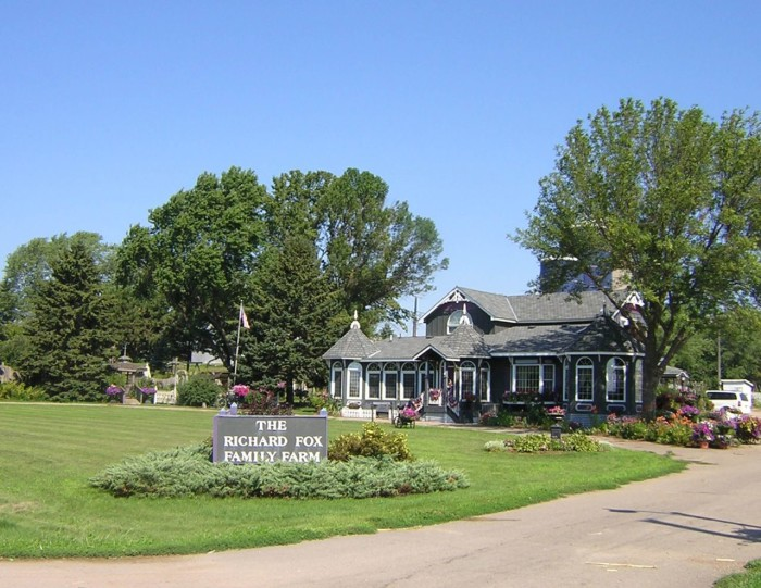 15. Head to the Fox Farm Market in Rosemount to see this amazing house and the majestic farm that surrounds it.