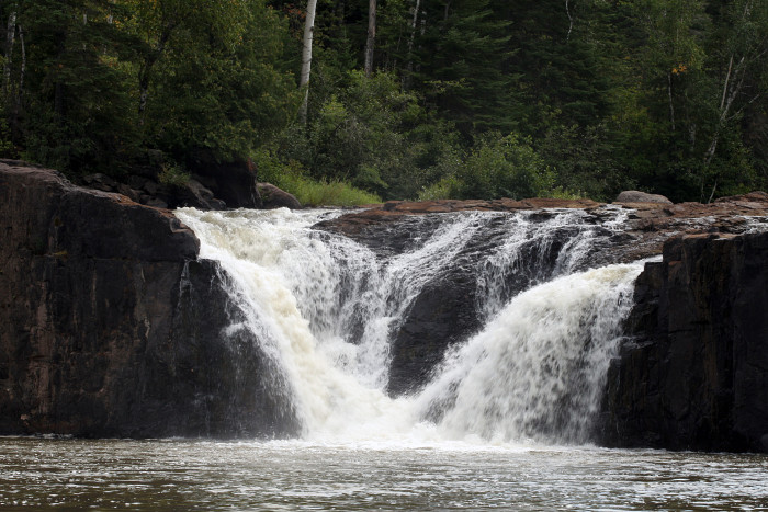 7. Along the US border on Pigeon River there are many magnificent falls but the Middle Falls in particular are wonderful.