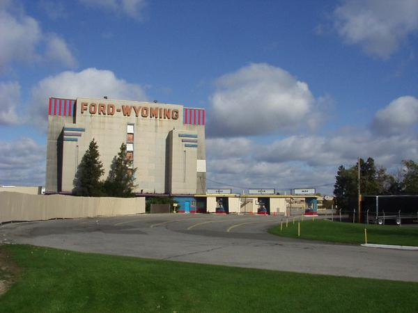 11) Ford Wyoming Drive-In, Dearborn