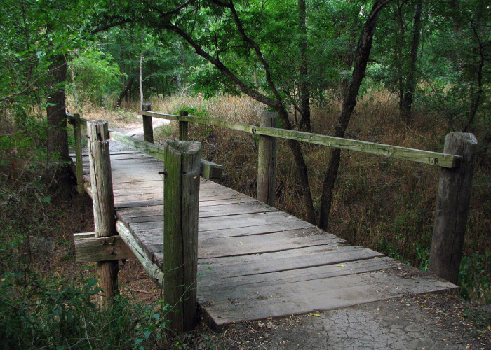 3) Hell's Gate at River Legacy Park