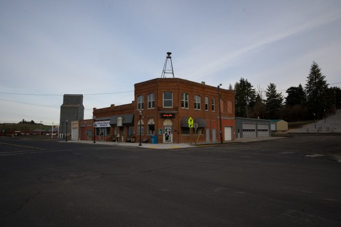 9. Oakesdale