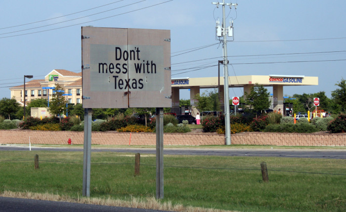 """9) The original advertisements that came on TV in the 80s for the anti-litter campaign that inspired the phrase """"Don't mess with Texas."""""""