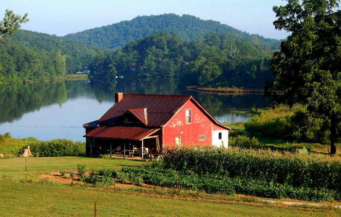 12) Red Farmhouse in Suches, GA