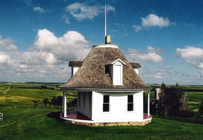 10. Hurdsfield Roundhouse in Hurdsfield, North Dakota. This house was supposedly built during the time when land was being sold by the railroads. People were invited to stay here while they viewed the local land.