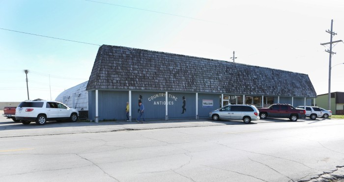 7.) Country Time Antiques & Flea Market (Coffeyville)