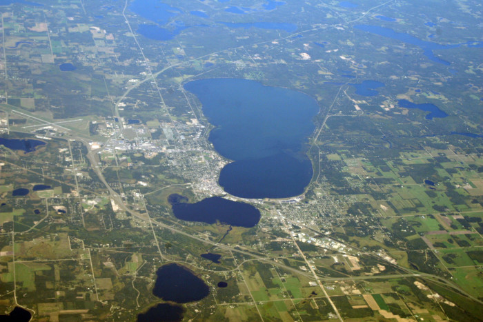 6. This close up does the lake true justice and is simply spectacular.