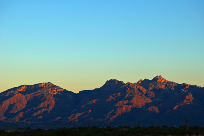 17. The Catalina Mountains outside of Tucson look peaceful as the day starts.
